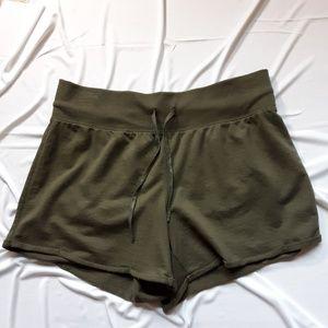 Xersion olive green like new shorts.  Size large